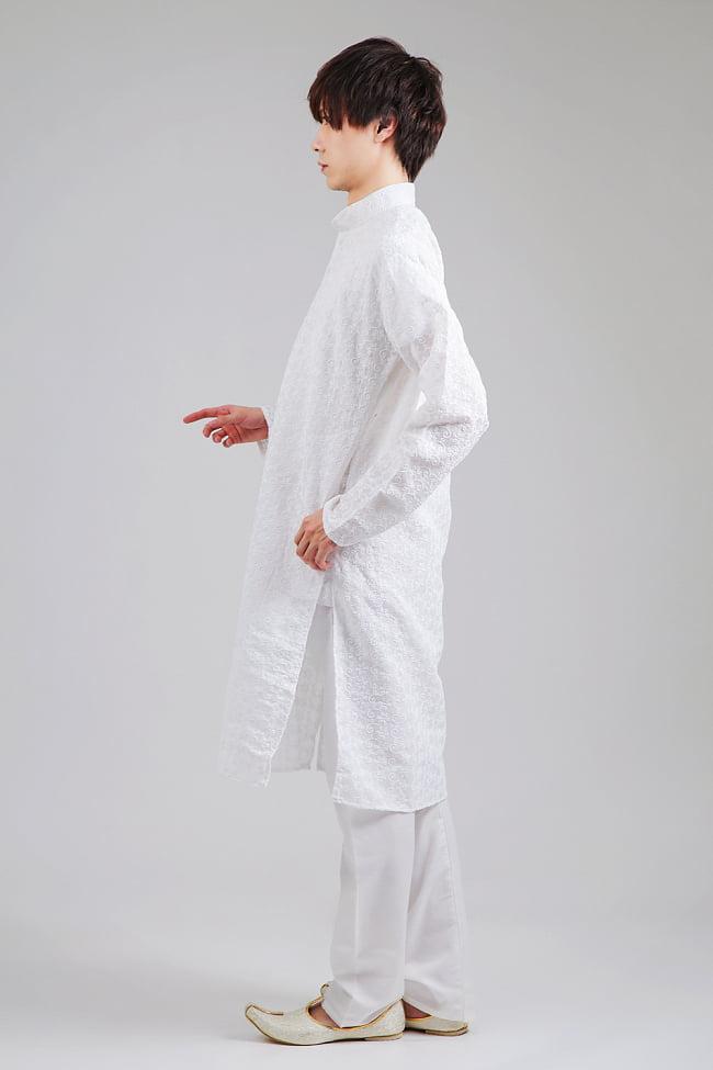 ラクノウ刺繍入り ホワイトクルタ・パジャマ上下セット インドの男性民族衣装 2 - 横からの写真です