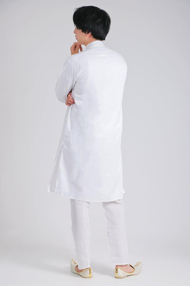 シンプルホワイト クルタ・パジャマ上下セット インドの男性民族衣装 2 - 横からの写真です