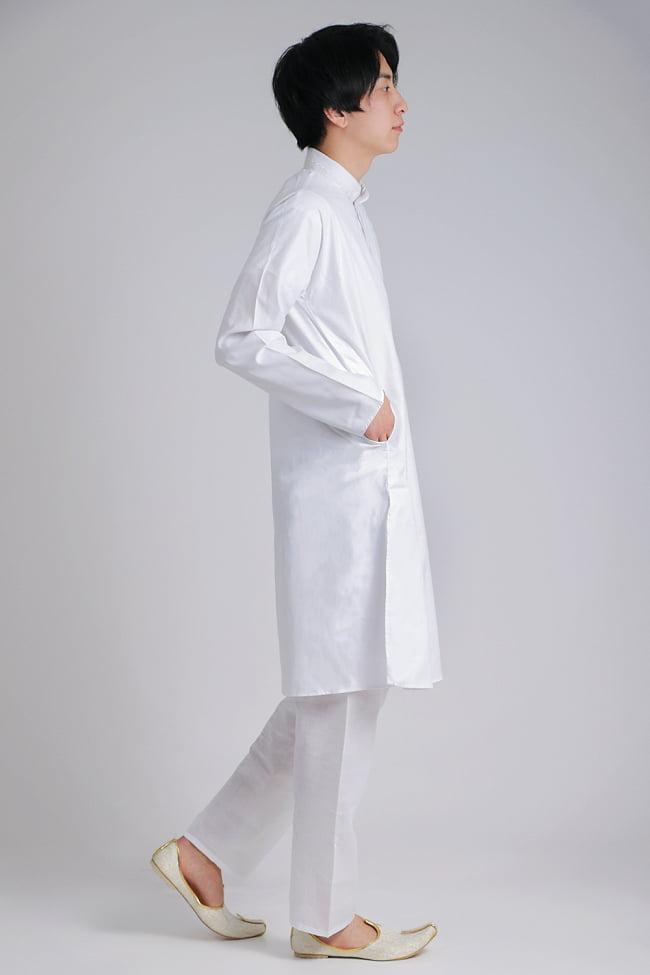 シンプルホワイト クルタ・パジャマ上下セット インドの男性民族衣装 3 - 後ろからです