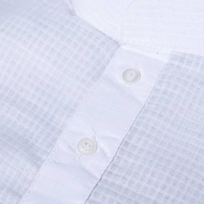格子模様のホワイト クルタ・パジャマ上下セット インドの男性民族衣装 10 - 拡大写真です