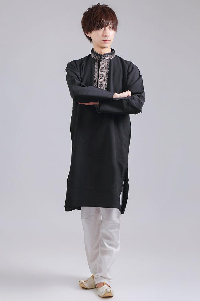 比翼仕立てのブラック クルタ・パジャマ上下セット インドの男性民族衣装の写真