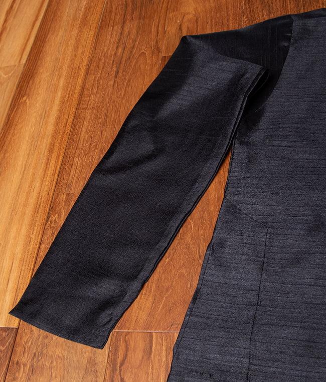 比翼仕立ての光沢ブラック クルタ・パジャマ上下セット インドの男性民族衣装 12 - 拡大写真です