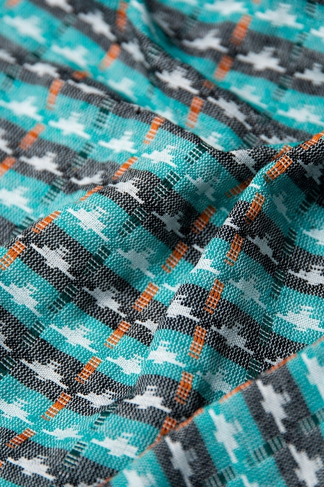 [約2メートル]ネパール伝統のダッカ織り布 3 - 柔らかな質感と幾何学模様が美しく調和しています。