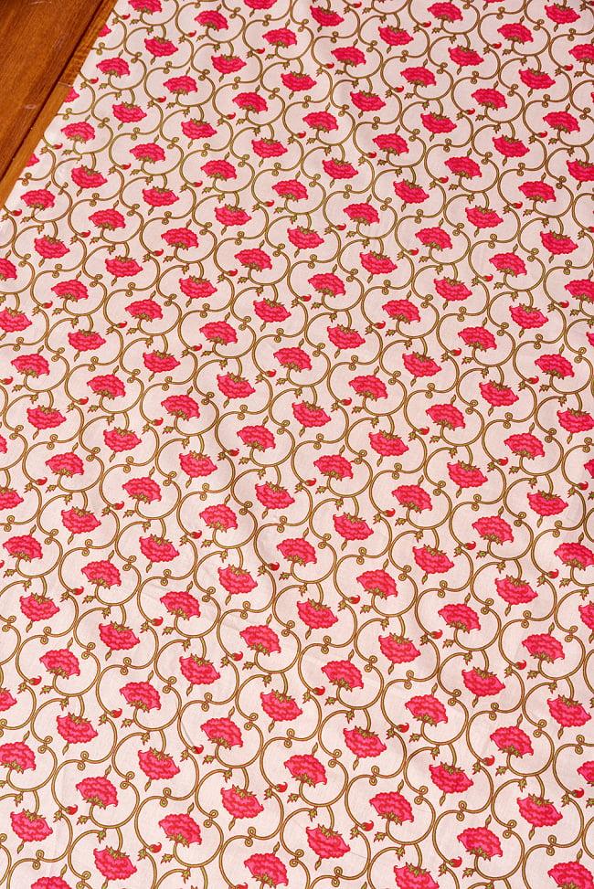 〔1m切り売り〕伝統息づく南インドから 更紗模様布〔幅約105cm〕 - ホワイト系 3 - 1mの長さごとにご購入いただけます。