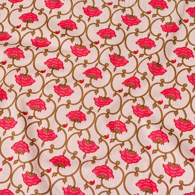 〔1m切り売り〕伝統息づく南インドから 更紗模様布〔幅約105cm〕 - ホワイト系 4 - インドならではの布ですね。