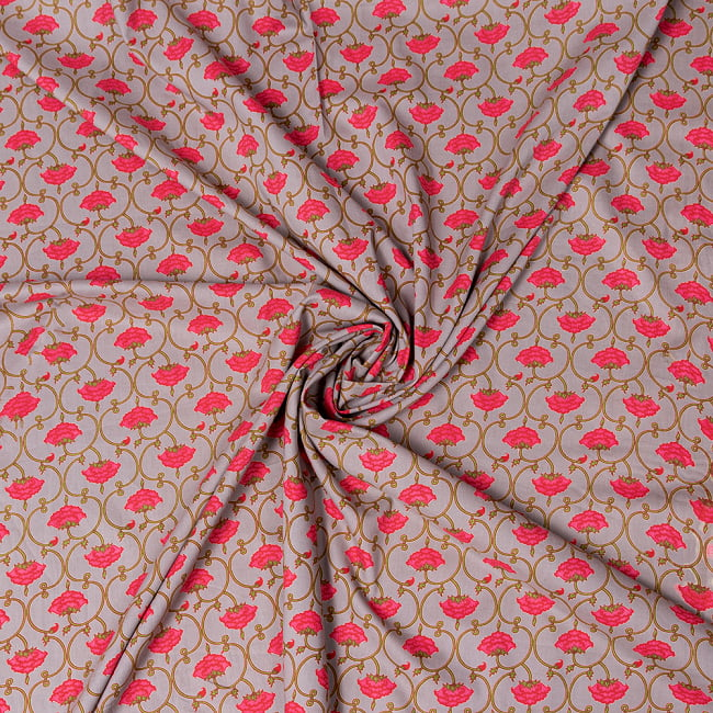 〔1m切り売り〕伝統息づく南インドから 更紗模様布〔幅約106cm〕 - グレー系 5 - 生地の拡大写真です。とても良い風合いです。
