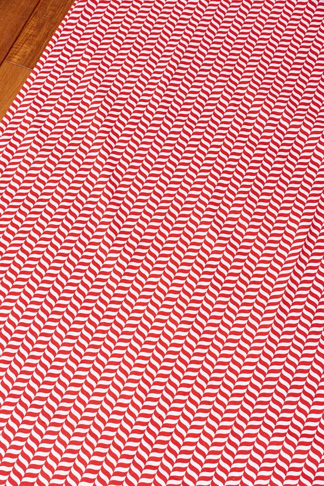 〔1m切り売り〕南インドのキャンディケインストライプ布 ヘリンボーン〔幅約109cm〕 - 赤×白系 3 - 1mの長さごとにご購入いただけます。