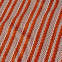 〔1m切り売り〕南インドのジグザグ模様 シェブロン・ストライプ布〔幅約110.5cm〕 - 白×オレンジ×グレー系の商品写真