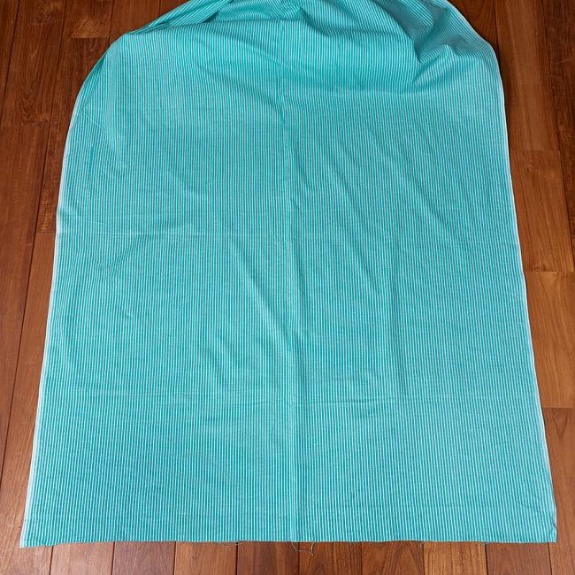 〔1m切り売り〕南インドのシングル・ストライプ布〔幅約105cm〕 - ミントグリーン系 2 - 生地全体を広げてみたところです。1個あたり1mとして、ご注文個数に応じた長さにカットしてお送りいたします。