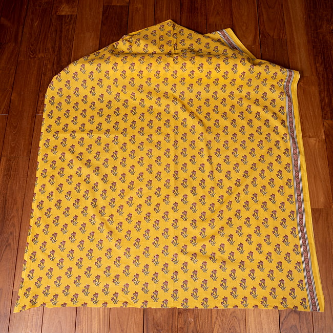 〔1m切り売り〕南インドの小花柄布〔約106cm〕 - イエロー 2 - とても素敵な雰囲気です