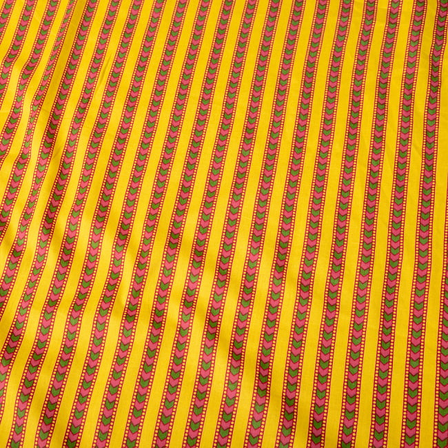 〔1m切り売り〕南インドのアローストライプ布〔約106cm〕 - イエロー 4 - インドならではの布ですね。