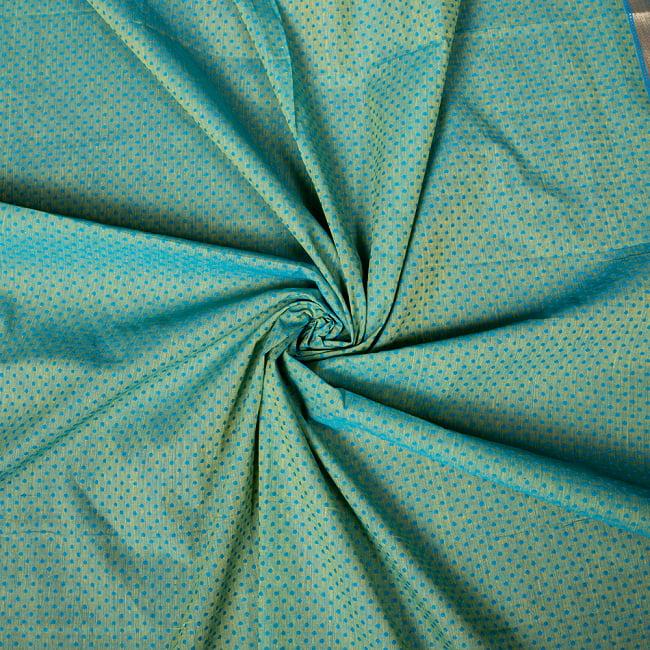 南インドのハーフボーダー・シンプル・コットン布〔約106cm〕 - ブルー×イエロー 5 - 生地の拡大写真です。とても良い風合いです。