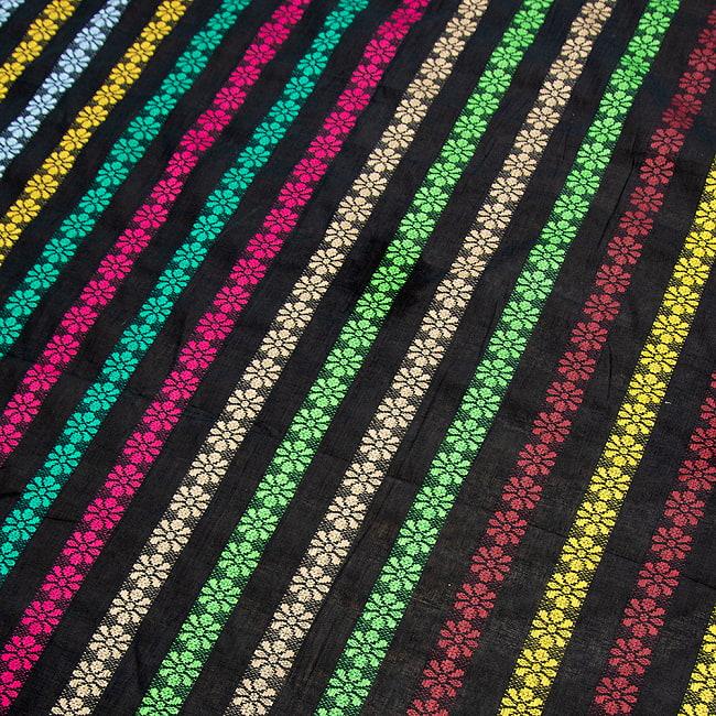 〔1m切り売り〕インドのお花刺繍シンプルコットン布〔幅約112cm〕 - ブラック系の写真