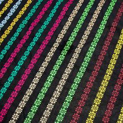 〔1m切り売り〕インドのお花刺繍シンプルコットン布〔幅約112cm〕 - ブラック系の商品写真