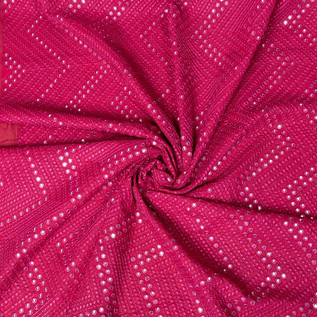 〔1m切り売り〕〔各色あり〕インドの伝統模様布 ミラーワーク系ファブリック〔幅約110cm〕 5 - 陰影があるとこのような感じになります