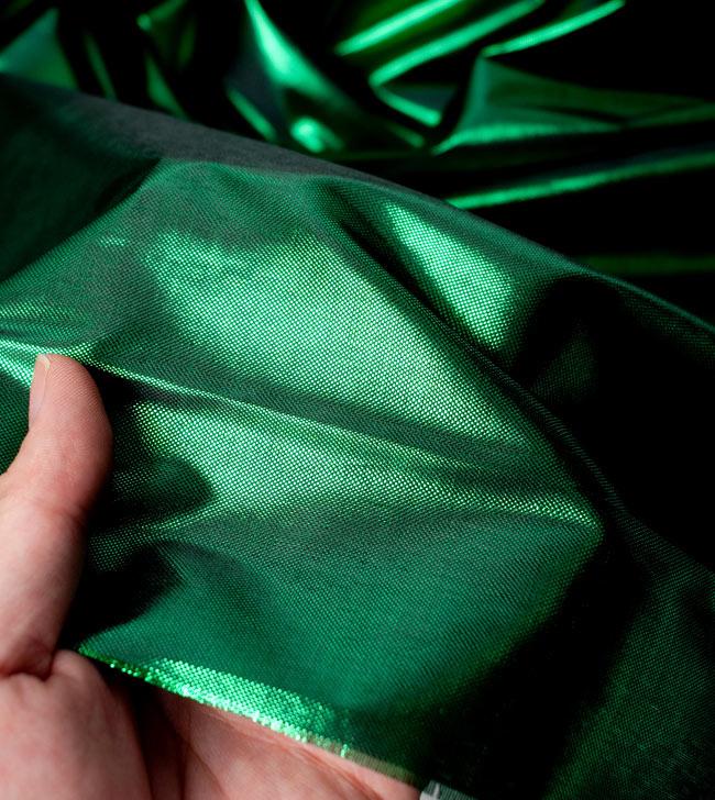 〔1m切り売り〕インドの伝統模様布 - 無地 緑〔幅100cm〕の写真5 - 拡大写真です