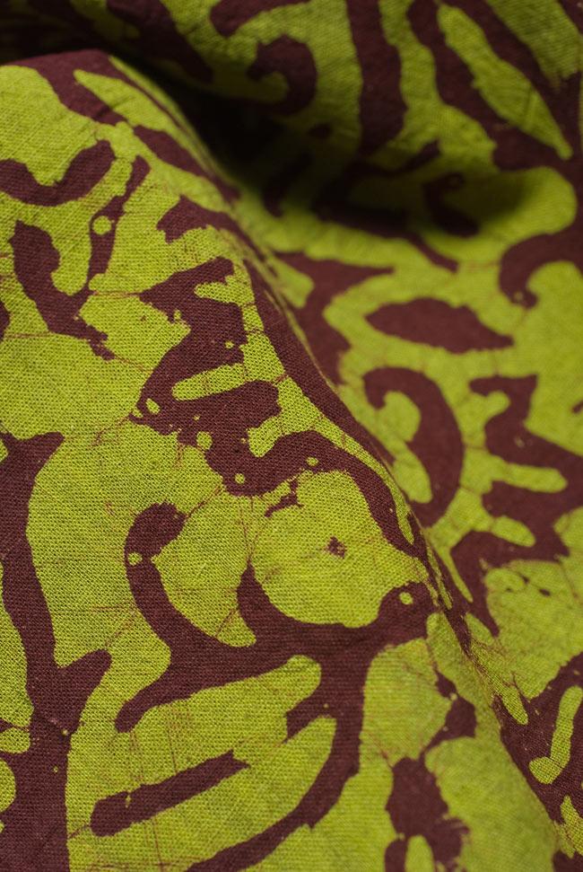インドのバティック染め布 〔長さ2.8m程度×幅90cm程度〕の写真4 - 柔らかなコットンが魅力的です。