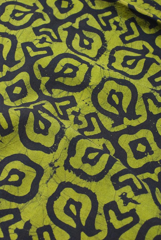 インドのバティック染め布 〔長さ2.8m程度×幅90cm程度〕の写真