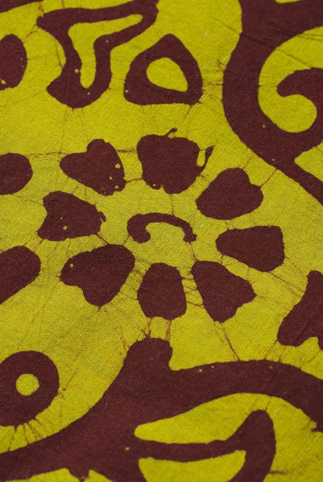 〔1m切り売り〕インドのバティック染め布 〔幅約110cm〕の写真2 - パターンを拡大してみました。