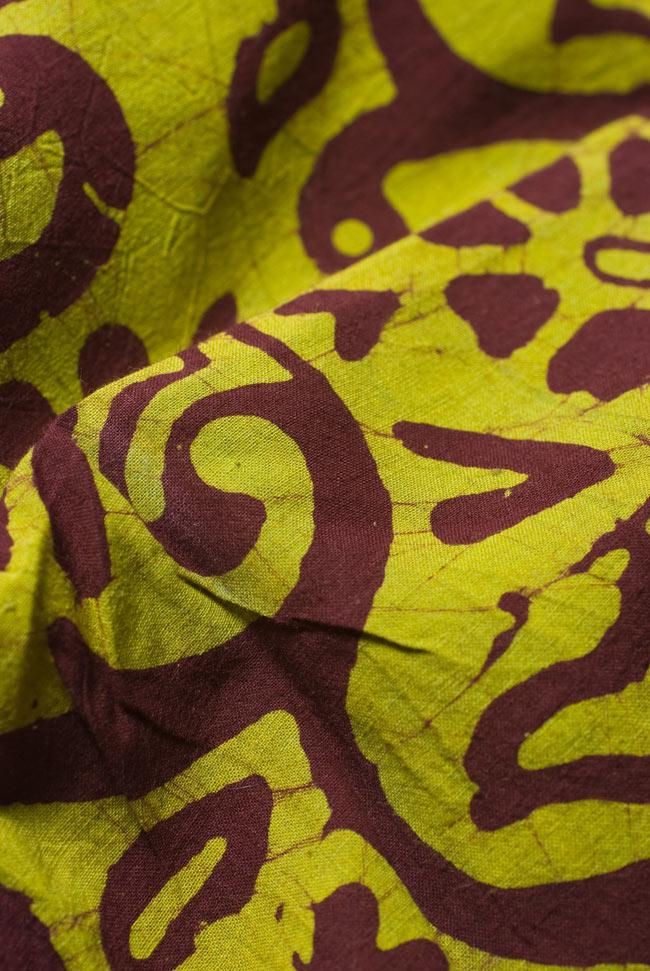 〔1m切り売り〕インドのバティック染め布 〔幅約110cm〕の写真4 - 柔らかなコットンが魅力的です。