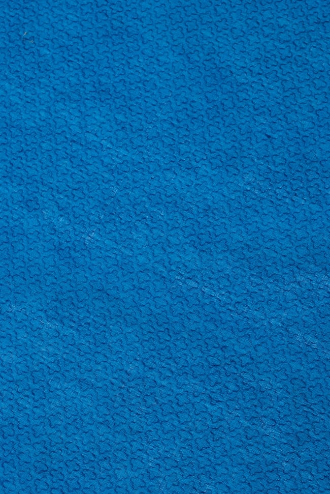 〔1m切り売り〕インドのシンプルコットン布  - 小花ブルー 〔幅約110cm〕 3 - 少し離れてみてみました。