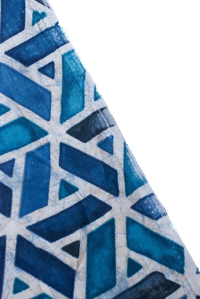 〔1m切り売り〕インドのバティック風染め布 インディゴ〔幅約106cm〕の写真4 - 端の部分の処理です。