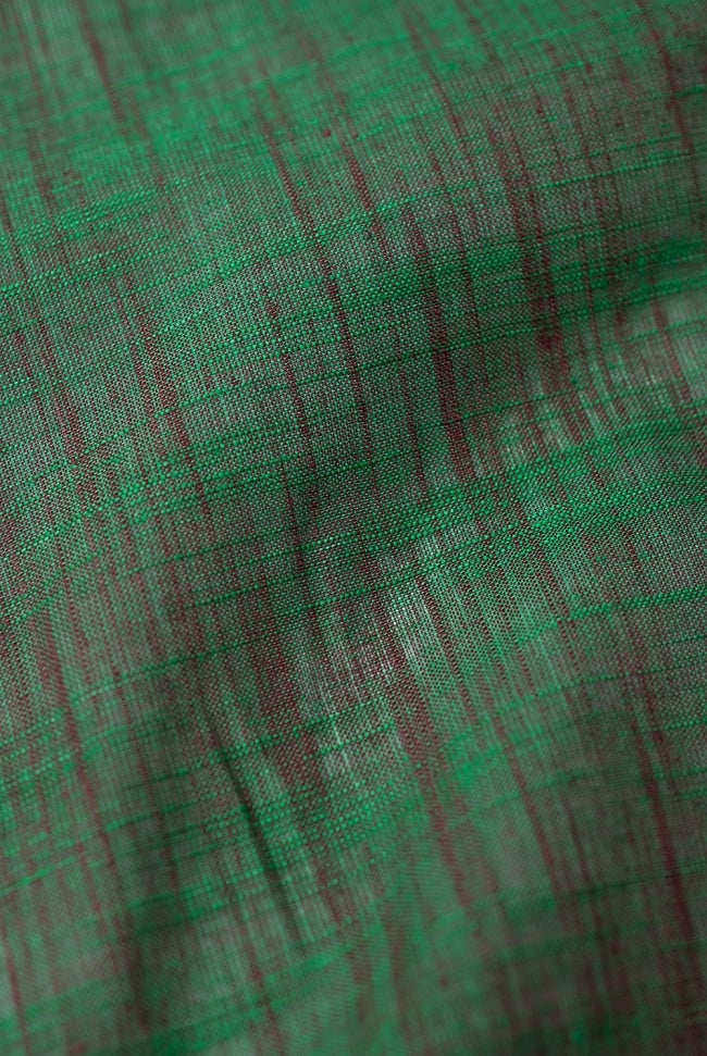 〔1m切り売り〕インドのシンプルコットン布 緑地にブラウン〔幅約108cm〕の写真