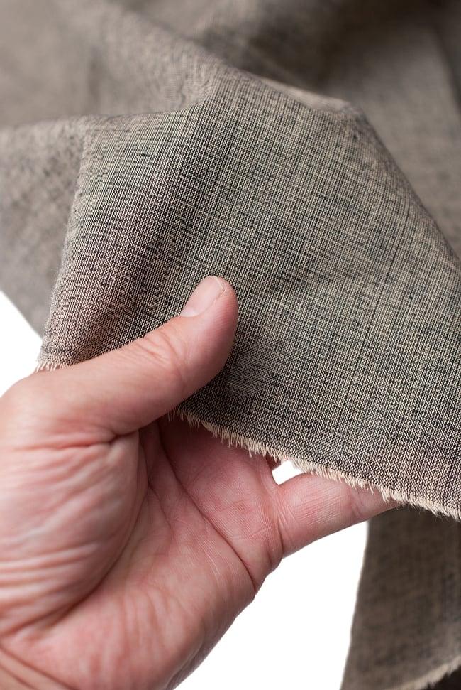 〔1m切り売り〕インドのシンプルコットン布  - ウォームグレー〔幅約114cm〕 5 - さまざまな手芸へ。想像が広がる布です。
