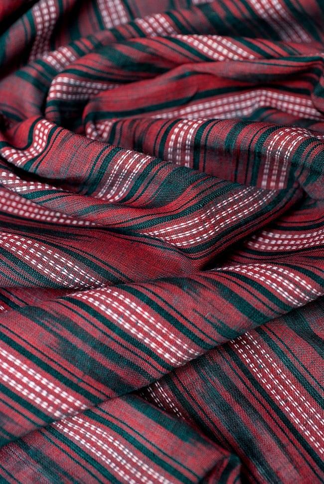 〔1m切り売り〕インドの絣織り布 〔幅約111cm〕の写真4 - 陰影をつけるととても素敵な色合いですね。