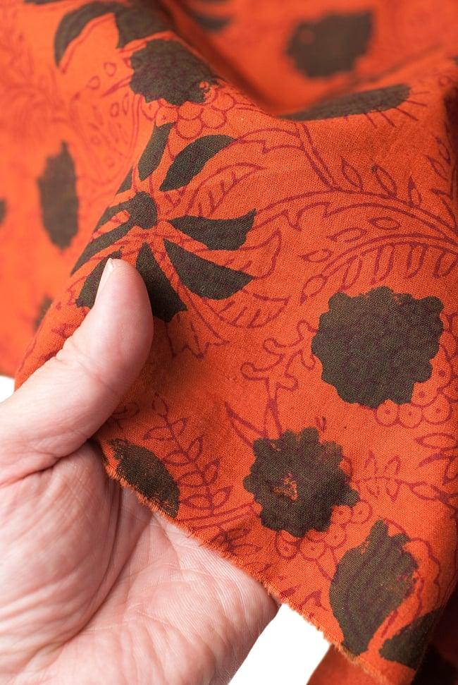 〔1m切り売り〕南インドの花柄コットン布〔幅約114cm〕 5 - さまざまな手芸へ。想像が広がる布です。