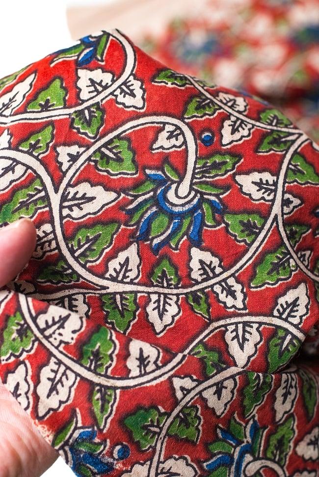 〔1m切り売り〕南インドの花柄コットン布〔幅約119cm〕の写真5 - さまざまな手芸へ。想像が広がる布です。