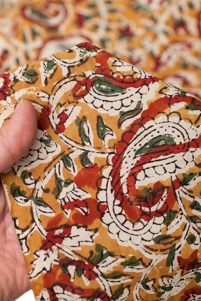 〔1m切り売り〕南インドの花柄コットン布〔幅約113cm〕の写真5 - さまざまな手芸へ。想像が広がる布です。