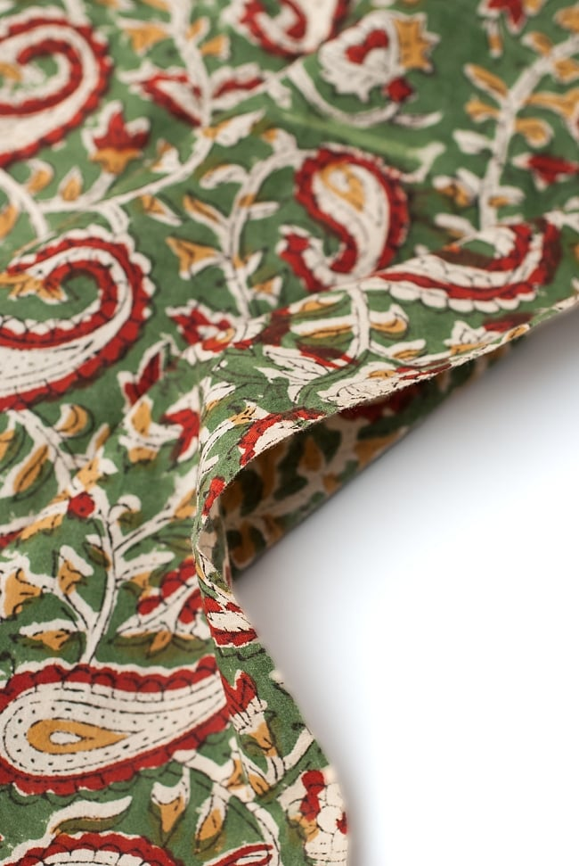 〔1m切り売り〕南インドの花柄コットン布〔幅約113cm〕の写真3 - 端の部分の処理です。