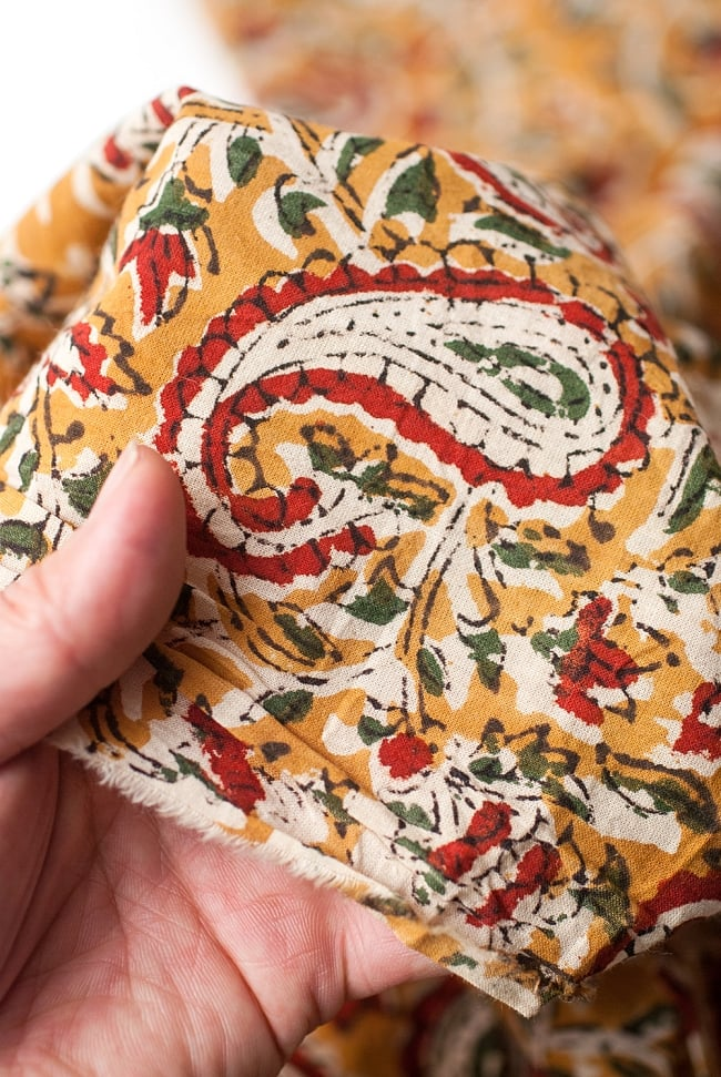 〔1m切り売り〕南インドの花柄コットン布〔幅約112cm〕 5 - さまざまな手芸へ。想像が広がる布です。
