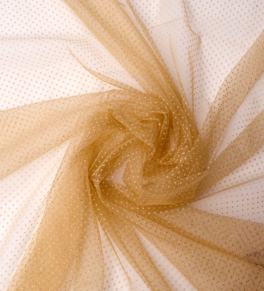 〔1m切り売り〕ゴールドドットプリントのメッシュ生地布〔106cm〕 - ベージュ 3 - 布をくるりと渦のようにしてみたところです。