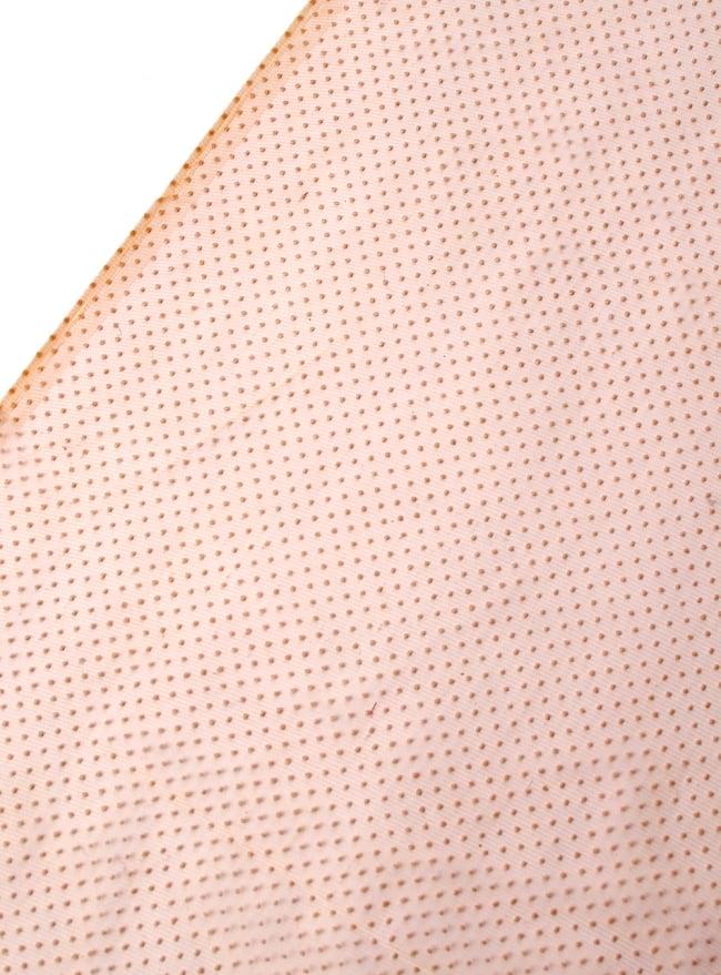 〔1m切り売り〕ゴールドドットプリントのメッシュ生地布〔106cm〕 - ベージュの写真