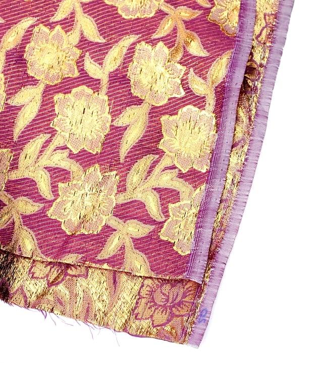 〔1m切り売り〕インドの金糸入り伝統模様布〔103cm〕 - パープル 4 - フチの写真です