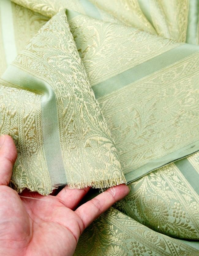 〔1m切り売り〕インドの伝統模様布〔105cm〕 - 薄緑系の写真4 - フチの写真です