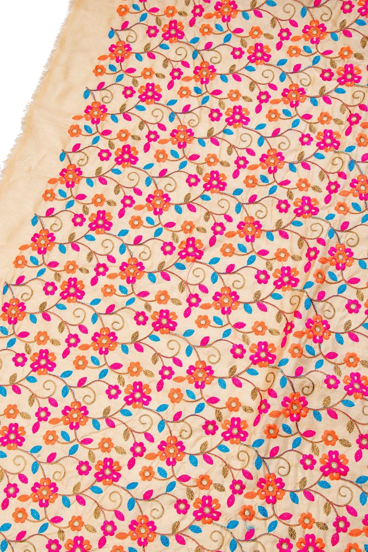 〔1m切り売り〕ラジャスタンの刺繍布〔108cm〕 - シャンパンゴールドの写真