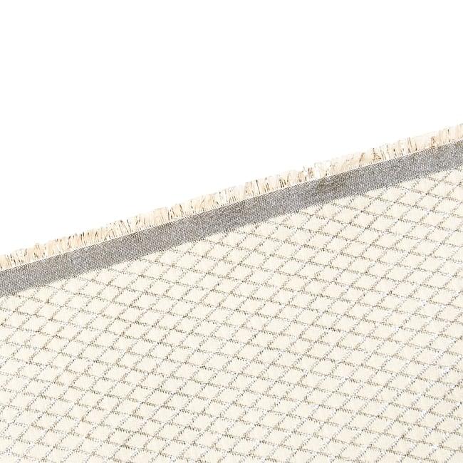 〔1m切り売り〕インドの伝統模様ゴールドプリント布〔幅約110cm〕 4 - フチの写真です