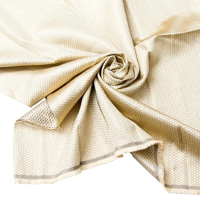 〔1m切り売り〕インドの伝統模様ゴールドプリント布〔幅約110cm〕 1