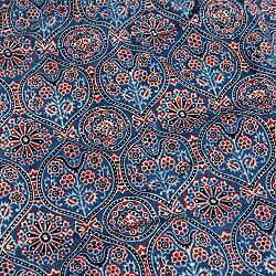 〔約3.8m 長尺布】伝統息づくインドから 昔ながらの木版藍染めアジュラックデザインの伝統模様布〔横幅:約110cm〕