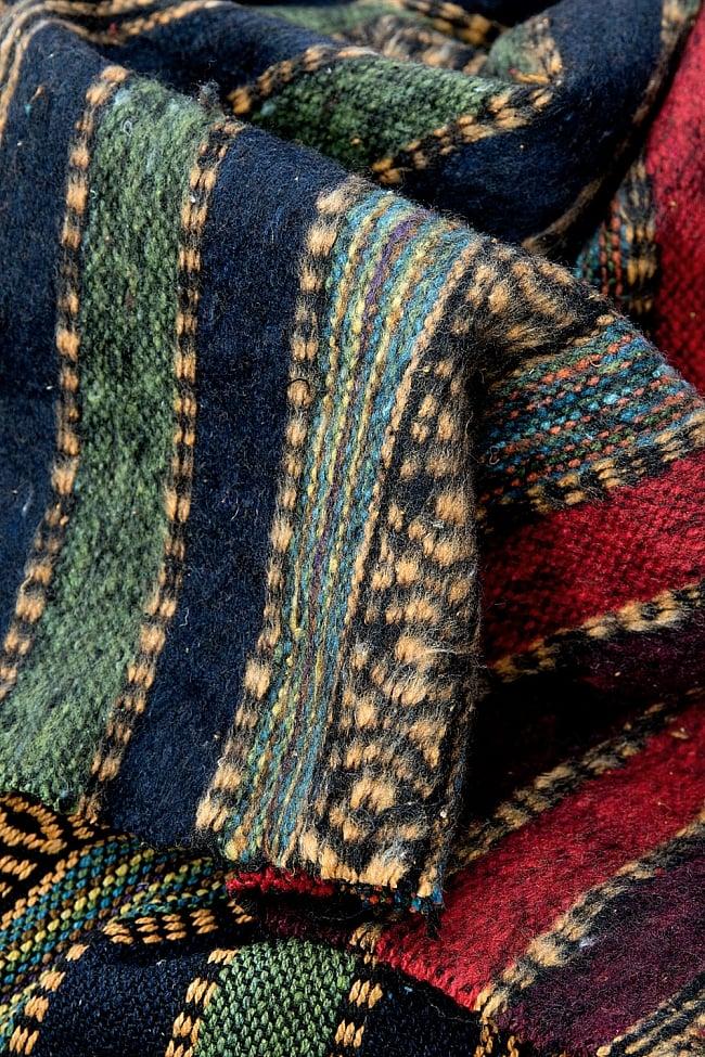 〔50cm切り売り〕裏起毛タイプ ネパール織り生地-厚手〔幅112cm〕の写真7 - 裏がふんわりしているので、ネパールでは冬物の衣料品などに使用していたりします。