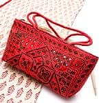 ラジャスタン刺繍ミラー付きバッグ - 朱色