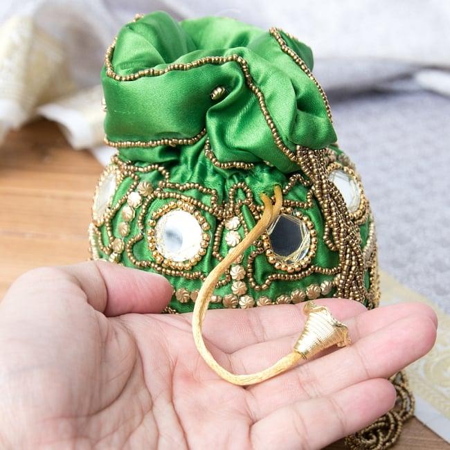 華やかなゴールドビーズ&ミラーワークの巾着ミニポーチ ミニバッグ - グリーン 5 - 巾着の紐部分です。