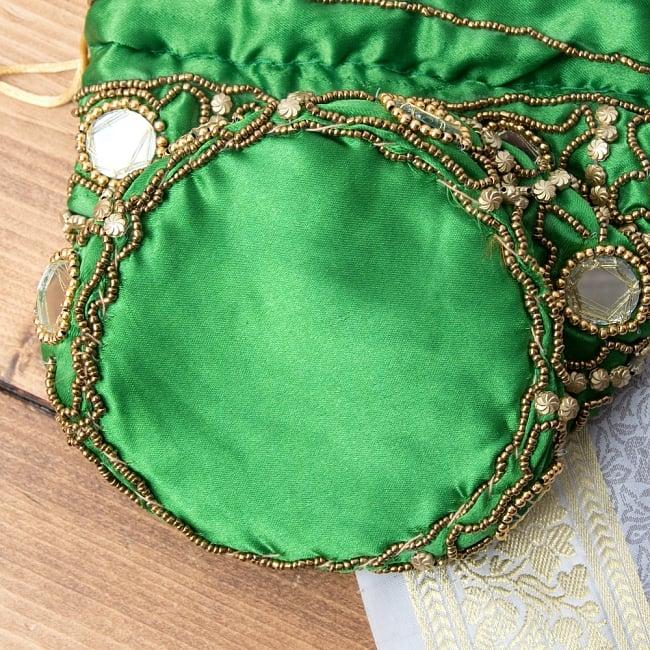 華やかなゴールドビーズ&ミラーワークの巾着ミニポーチ ミニバッグ - グリーン 8 - 裏面はのようになっています、しっかりとしたマチが付いております。