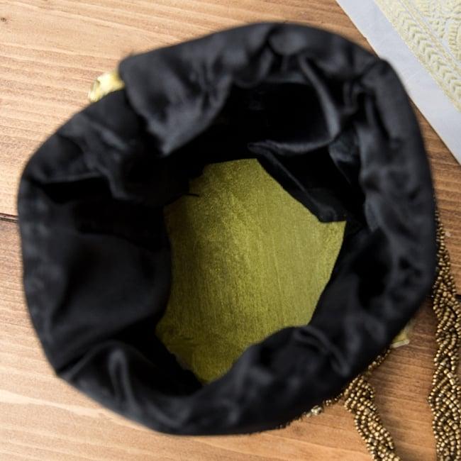 華やかなゴールドビーズ&ミラーワークの巾着ミニポーチ ミニバッグ - ブラック 6 - 中はこんなふうになっています。