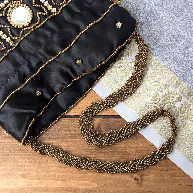 華やかなゴールドビーズ&ミラーワークの巾着ミニポーチ ミニバッグ - ブラック 7 - ビーズを編み込んで作られたチェーンです。