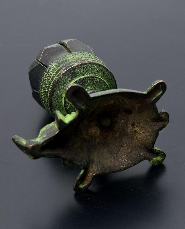 ロータスのお香&キャンドルスタンド - 象の写真 - 底の部分です。