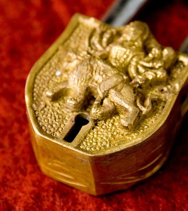 アンティック風カーリー南京錠(小)の写真3 - 鍵穴部分です、まさに「錠」というような感じです。